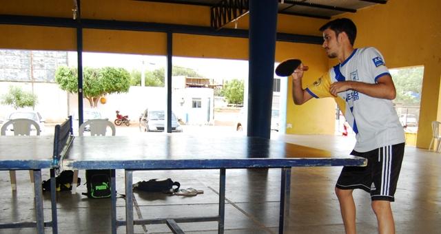 6d74006b7 Renan de Sousa Feitosa treina para campeonato estadual de tênis de mesa.  Foto  Paloma Sene